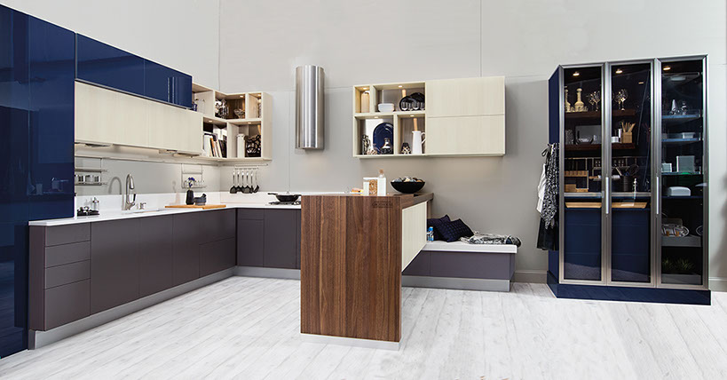 frameless cabinet kitchen with peninsula island and butlers pantry